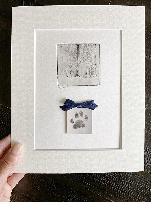 one of a kind pet portrait with cat paw print